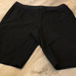 🖤 Dress Barn~~Black Shorts 🖤